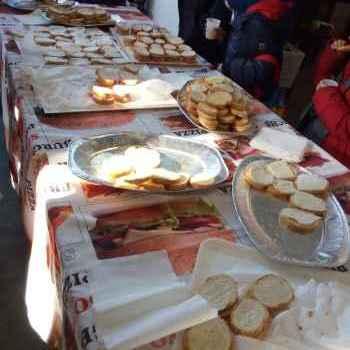 Assaggi per i bambini in visita al Frantoio Sassetti